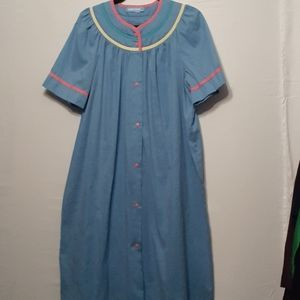 LOT OF 2 VINTAGE SNAP FRONT NIGHTGOWN/ HOUSECOAT